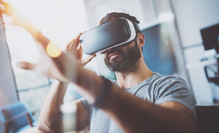 VR headsets coupled with smartphone rentals are a great way to keep your attendees engaged